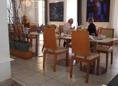 Les Bacchanales (Restaurant)